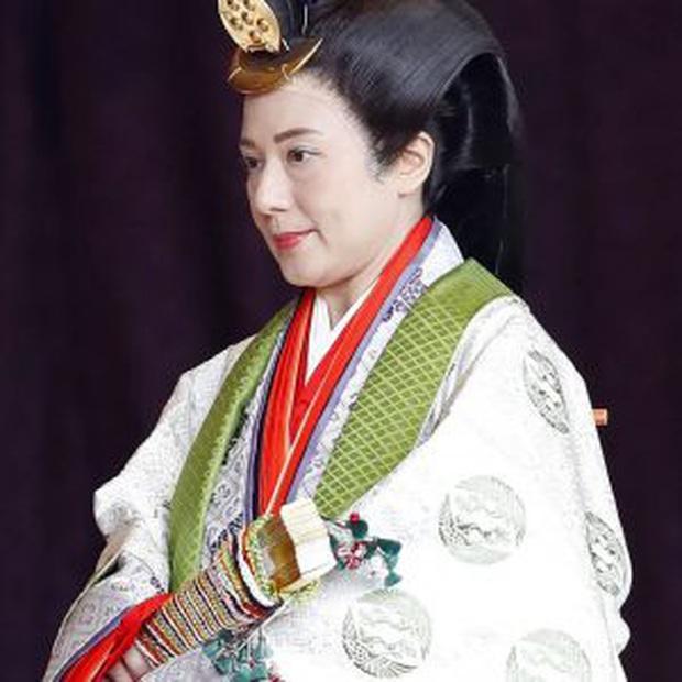 Điều ít biết về bộ trang phục 12 lớp, nặng 20kg đỉnh cao vẻ đẹp trang phục truyền thống Nhật Bản, Hoàng hậu Masako cũng từng mặc ngày đăng quang - Ảnh 4.