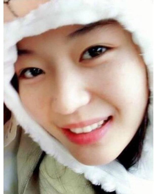 Zoom cận mặt mộc của mợ chảnh Jeon Ji Hyun thời trẻ măng: Da lấm tấm tàn nhang vẫn đẹp không thốt nên lời - Ảnh 7.