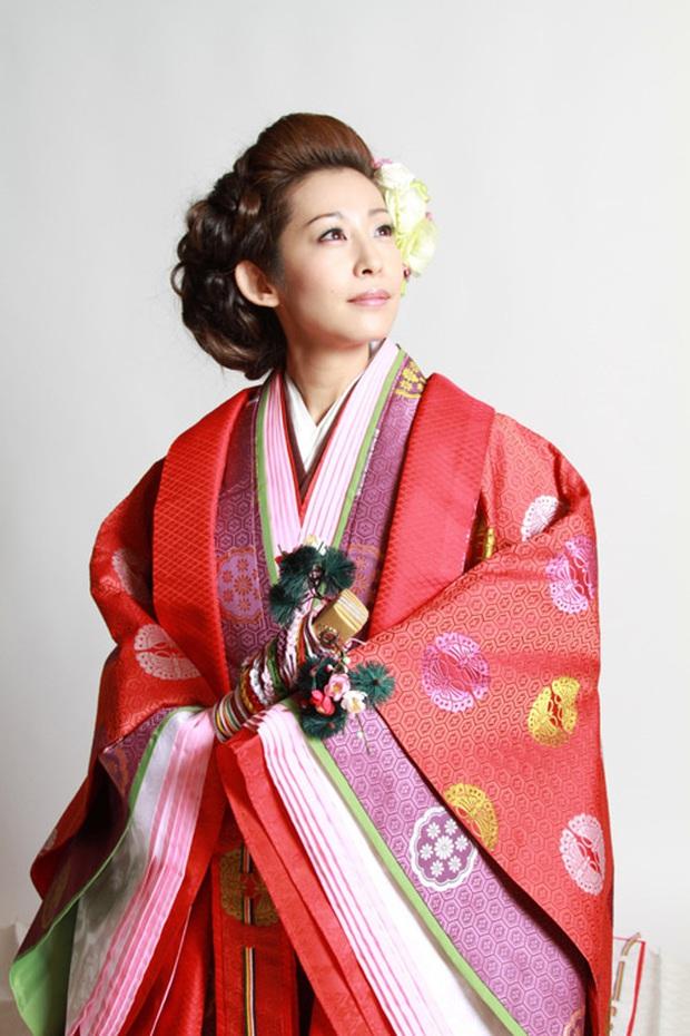Điều ít biết về bộ trang phục 12 lớp, nặng 20kg đỉnh cao vẻ đẹp trang phục truyền thống Nhật Bản, Hoàng hậu Masako cũng từng mặc ngày đăng quang - Ảnh 7.