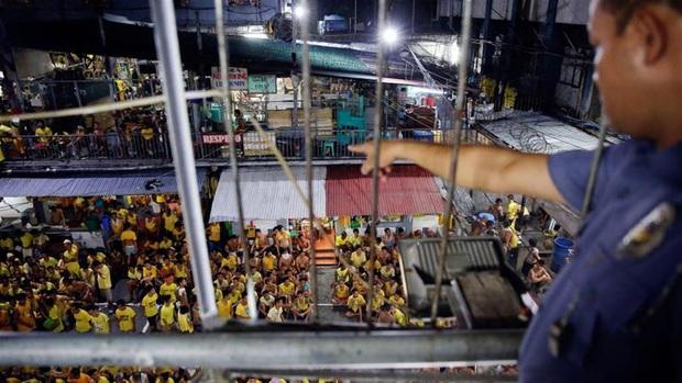 Lo ngại lây nhiễm COVID-19, Philippines thả gần 10.000 tù nhân - Ảnh 1.
