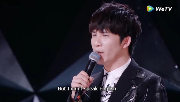 Được khen hát hay nhưng hot girl Thái Lan lại đơ người vì không hiểu giám khảo Sáng tạo doanh nói gì - Ảnh 4.