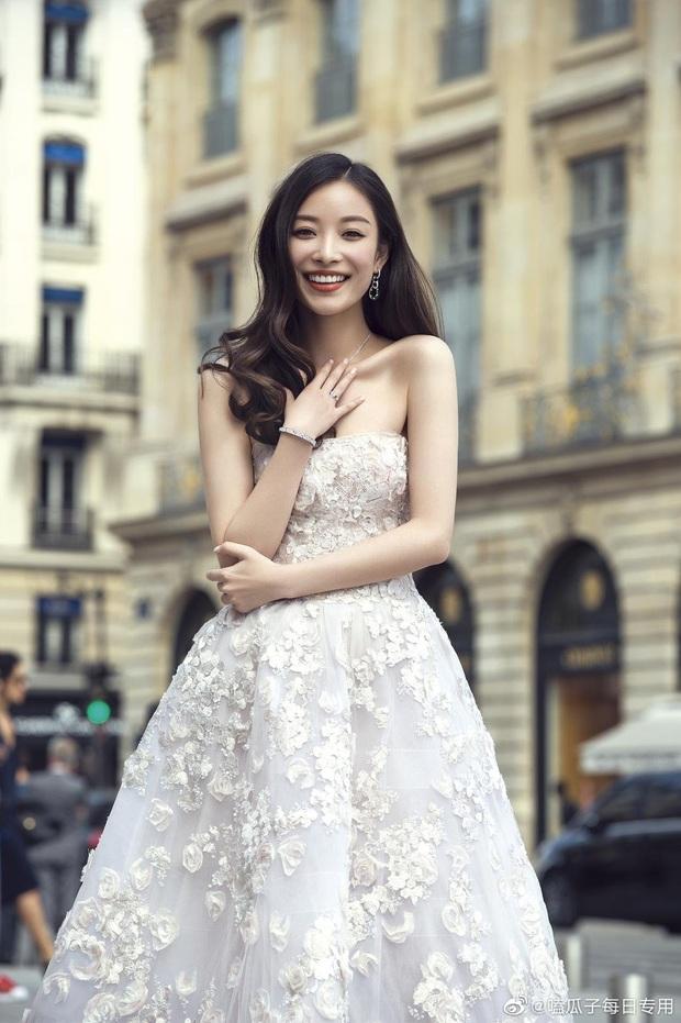 So kè mỹ nhân Cbiz khi diện váy cưới: Nhiệt Ba bốc lửa chẳng cần photoshop, Dương Tử muối mặt vì bị tố chi tiết đáng ngờ - Ảnh 5.