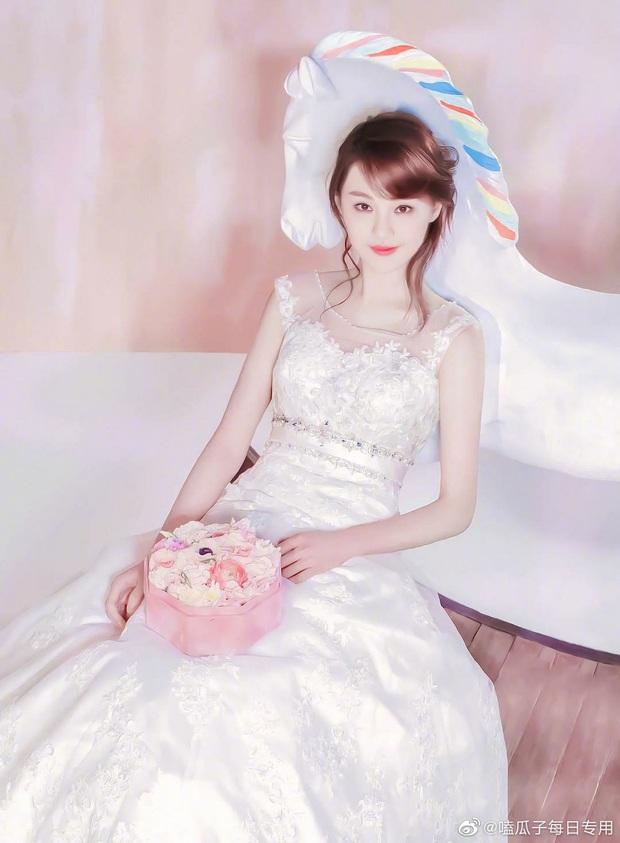 So kè mỹ nhân Cbiz khi diện váy cưới: Nhiệt Ba bốc lửa chẳng cần photoshop, Dương Tử muối mặt vì bị tố chi tiết đáng ngờ - Ảnh 11.