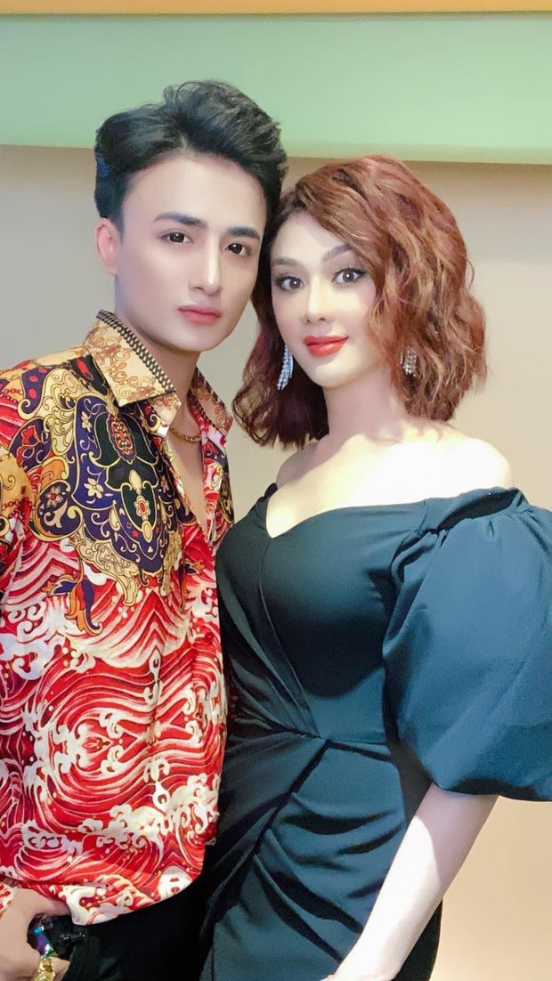Fan khuyên Lâm Khánh Chi bớt dùng app chỉnh ảnh giả trân, cô liền tỉnh bơ: Mặt chị tự nhiên nhỏ vậy đó - Ảnh 2.