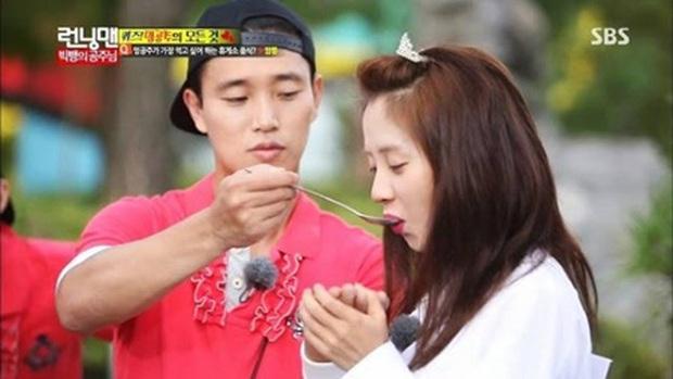 Đúng là con trai Kang Gary có khác, loveline trên show thực tế cũng giống y đúc bố thế này! - Ảnh 1.