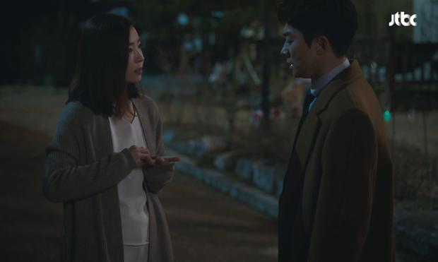 Netizen giờ này vẫn còn soi ra 5 lỗ hổng ở Thế Giới Hôn Nhân: Sun Woo cứ bị đánh là nhà lại cách âm, tiểu tam ốm nghén nhưng mẹ chẳng hề biết - Ảnh 7.