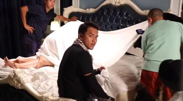 Tá hỏa hậu trường cảnh nóng phim Việt: Nam Thư quyến rũ máy quay, Hoàng Yến Chibi ngủ quên khi hành sự - Ảnh 6.