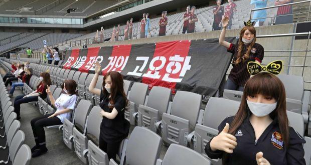 Đặt búp bê tình dục lên khán đài để thay khán giả, đội bóng Hàn Quốc bị phạt 1,9 tỷ đồng - Ảnh 4.