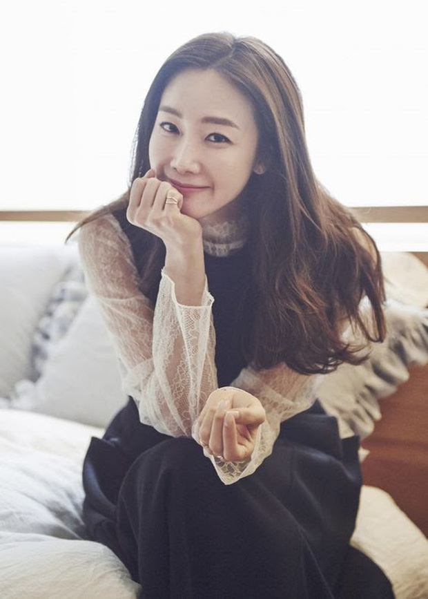 Choi Ji Woo ở tuổi 44 và mang thai vẫn thon thả, nước da trắng hồng, thì ra bí quyết là đây - Ảnh 4.