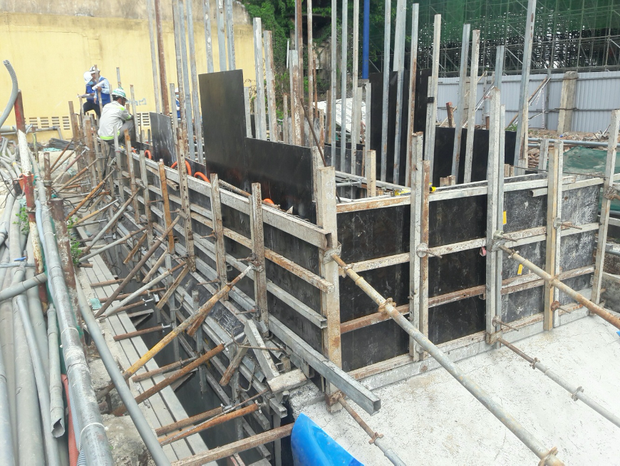 Ga ngầm Ba Son của tuyến Metro đang dần thành hình, đẩy nhanh tiến độ để giao mặt bằng cho dự án cầu Thủ Thiêm 2 - Ảnh 2.