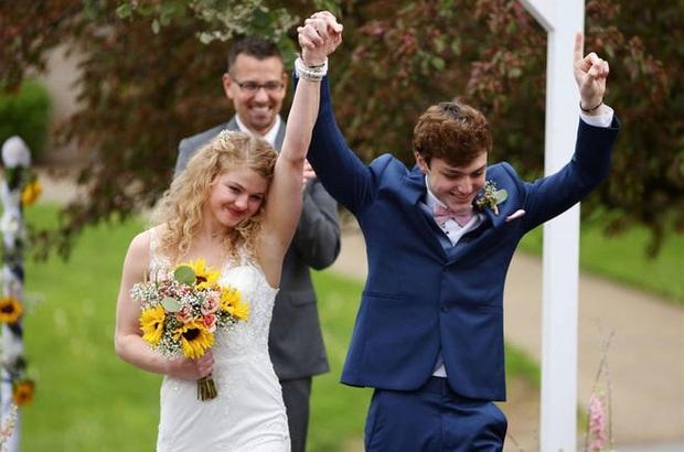 Từ giã sự nghiệp bơi lội vì bệnh nan y, chàng VĐV lại gặp tình yêu sét đánh và bắt đầu chương cuối cuộc đời bằng một đám cưới đẹp như cổ tích - Ảnh 5.