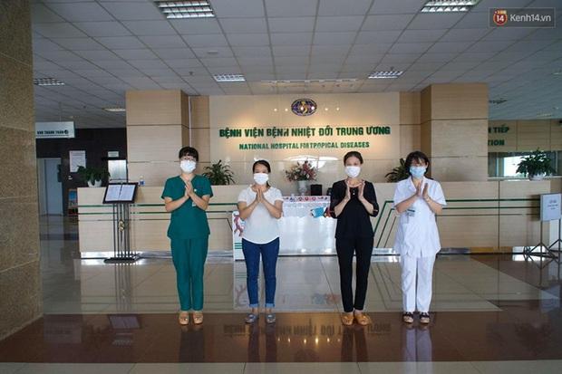 """Bệnh nhân Covid-19 ở Mê Linh khỏi bệnh: """"Từ khi vào đây đã 1 tháng rồi, ai cũng được về nhà, còn mỗi mình tôi nằm đến tận trưa hôm qua vẫn khóc"""" - Ảnh 3."""