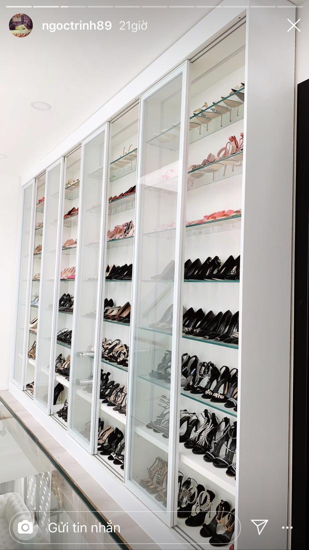 Choáng ngợp tủ giày chạm nóc nhà của Ngọc Trinh: trị giá sương sương 5 tỷ, thương chị giúp việc dọn mệt bở hơi tai - Ảnh 5.