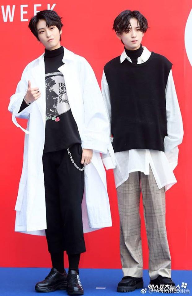"""""""Soái"""" chẳng kém Lưu Vũ Hân đã đành, 2 học trò tomboy của Lisa còn có quá khứ làm idol Kpop, từng debut trong """"boygroup"""" có toàn thành viên là… nữ! - Ảnh 6."""