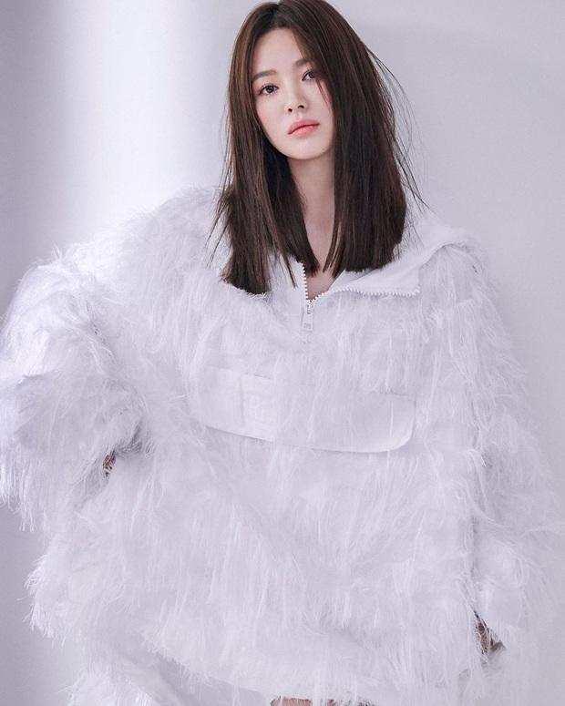 11 màn giảm cân thay đổi cả cuộc đời diễn viên Hàn: Song Hye Kyo - Suzy lột xác, sốc nhất bạn trai Sooyoung và tài tử 120kg - Ảnh 10.