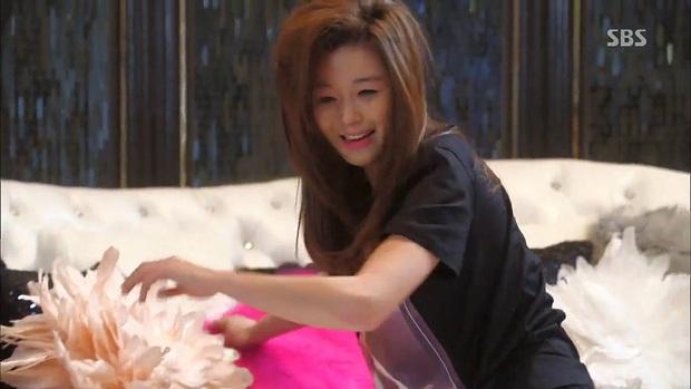 7 khoảnh khắc sáng tạo nữ thần của mỹ nhân màn ảnh Hàn: Song Hye Kyo vụt sáng nhờ mái thưa huyền thoại - Ảnh 8.