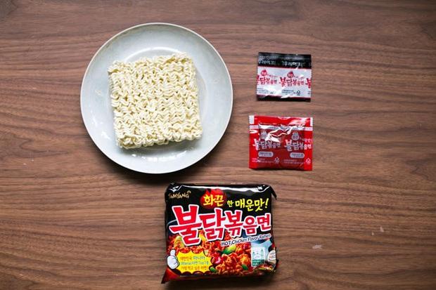 Review tường tận 9 loại mỳ cay Hàn Quốc giúp bạn lựa chọn đúng khẩu vị mà mình thích - Ảnh 1.