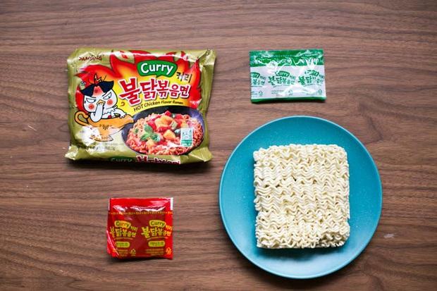 Review tường tận 9 loại mỳ cay Hàn Quốc giúp bạn lựa chọn đúng khẩu vị mà mình thích - Ảnh 12.