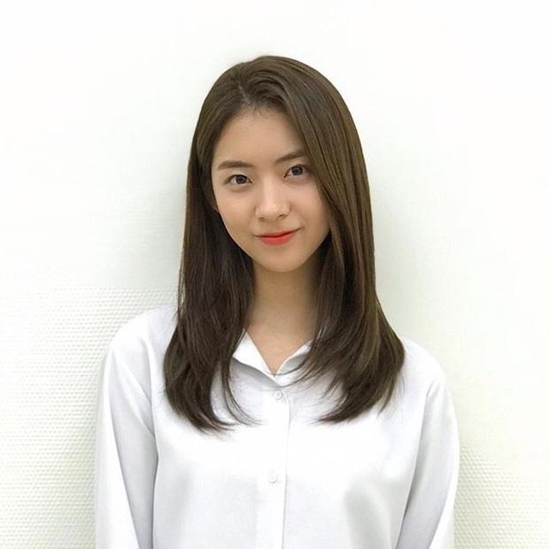 Bạn gái tin đồn của T.O.P (Big Bang): Riêng khoản ăn mặc thì đẹp và tinh tế hơn hẳn cô nàng ex lắm thị phi ngày trước - Ảnh 3.