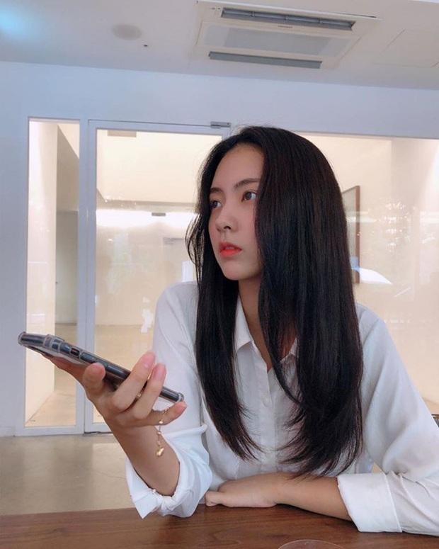 Bạn gái tin đồn của T.O.P (Big Bang): Riêng khoản ăn mặc thì đẹp và tinh tế hơn hẳn cô nàng ex lắm thị phi ngày trước - Ảnh 4.