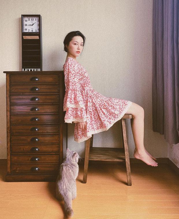 Ngắm ảnh OOTD của sao Việt là biết ngay 5 kiểu váy áo đáng sắm nhất Hè này, diện lên vừa xinh lại vừa sang - Ảnh 3.