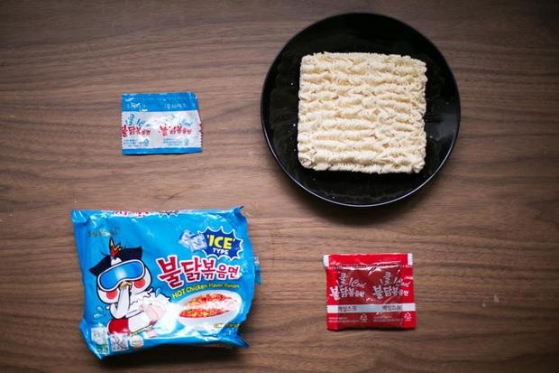 Review tường tận 9 loại mỳ cay Hàn Quốc giúp bạn lựa chọn đúng khẩu vị mà mình thích - Ảnh 7.