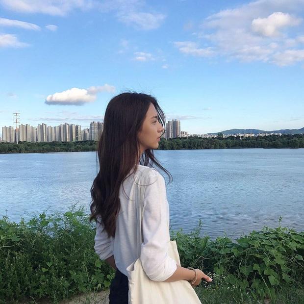 Bạn gái tin đồn của T.O.P (Big Bang): Riêng khoản ăn mặc thì đẹp và tinh tế hơn hẳn cô nàng ex lắm thị phi ngày trước - Ảnh 8.