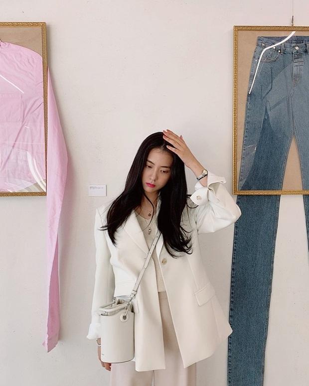 Bạn gái tin đồn của T.O.P (Big Bang): Riêng khoản ăn mặc thì đẹp và tinh tế hơn hẳn cô nàng ex lắm thị phi ngày trước - Ảnh 9.