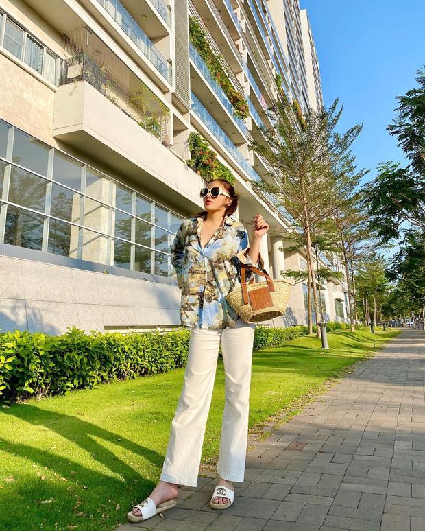Ngắm ảnh OOTD của sao Việt là biết ngay 5 kiểu váy áo đáng sắm nhất Hè này, diện lên vừa xinh lại vừa sang - Ảnh 9.