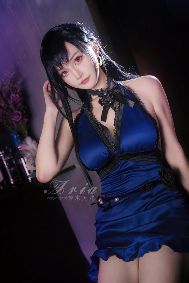 Chiêm ngưỡng bộ ảnh cosplay Tifa phong cách quý cô quầy rượu, nhìn sương sương cũng đủ say men - Ảnh 3.