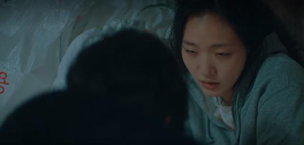 Hồi hộp vì Kim Go Eun sắp bị bản song trùng lên đồ giả dạng ở tập 11 Quân Vương Bất Diệt - Ảnh 14.