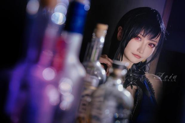 Chiêm ngưỡng bộ ảnh cosplay Tifa phong cách quý cô quầy rượu, nhìn sương sương cũng đủ say men - Ảnh 5.