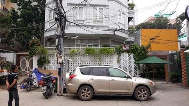 Truy nã người phụ nữ trong vụ cựu thẩm phán và giảng viên xâm phạm chỗ ở gây xôn xao dư luận ở Sài Gòn - Ảnh 2.