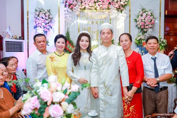 Chuyện bầu bì vẫn không hạ bệ được nhan sắc của dàn WAGs Việt, có người còn mặn mà hơn lúc chưa chồng - Ảnh 15.