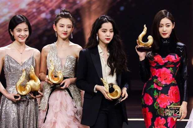 Những nàng công chúa Cbiz chung khung hình: Angela Baby - Nhiệt Ba chấp cả dàn mỹ nhân, Lưu Diệc Phi khiến fan ngã ngửa - Ảnh 10.