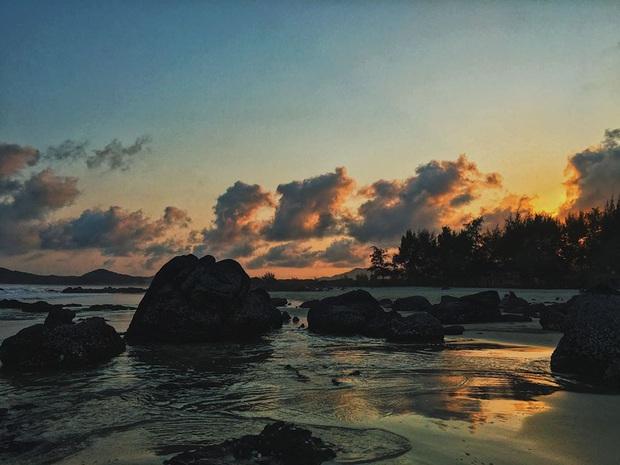 Ngay gần Hà Nội có một hòn đảo hoang sơ như thế này mà chưa nhiều người biết: đẹp như tiên cảnh, chụp choẹt thì hết sảy! - Ảnh 2.