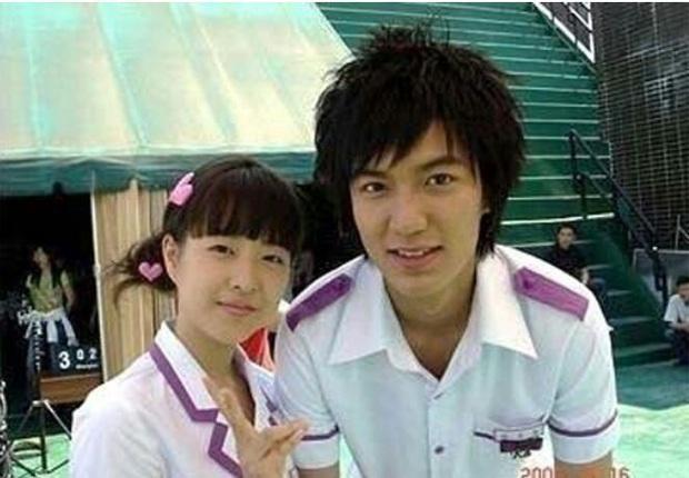 Rần rần vì ảnh hiếm Lee Min Ho và Park Bo Young thân mật từ thời ngố tàu 14 năm trước, so với nhan sắc hiện tại còn sốc hơn - Ảnh 2.