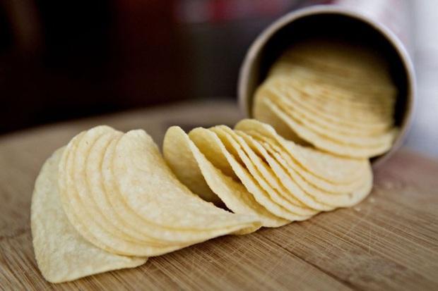 Ai mà ngờ snack khoai tây mà cả thế giới đang ăn thực chất lại... không làm từ khoai tây - Ảnh 2.