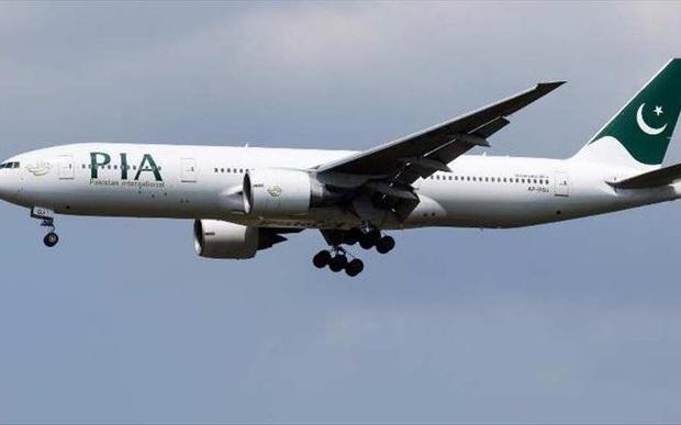 Rơi máy bay Pakistan chở hơn 100 người tại Karachi - Ảnh 1.