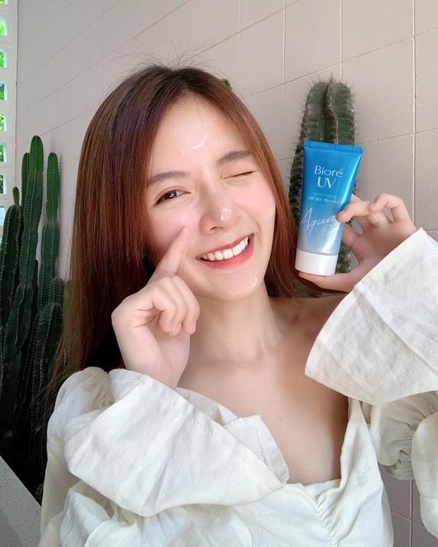 Rất giàu nhưng phù thủy makeup Michelle Phan chỉ mê đắm loại kem chống nắng chưa đến 200k cực kỳ quen thuộc với con gái Việt - Ảnh 3.
