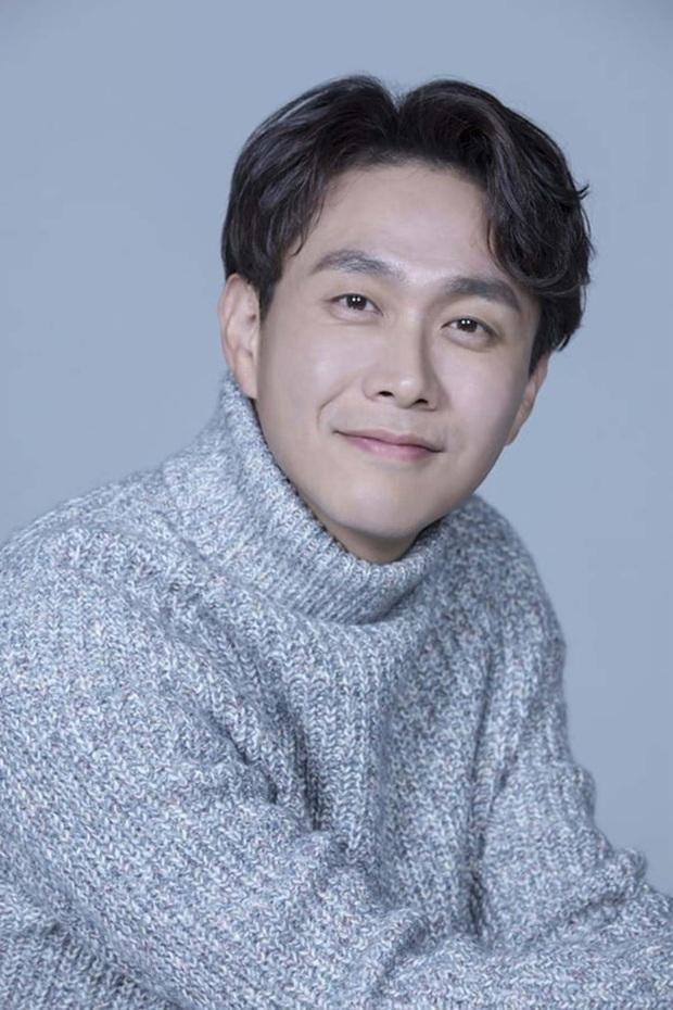"""Sao Hàn kết hôn với mối tình đầu: Tài tử """"Thử thách thần chết"""" chung thuỷ với tình 13 năm, chuyện tình Taeyang với minh tinh hiếm có - Ảnh 10."""