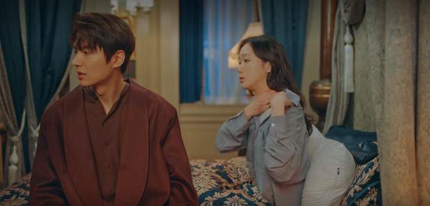 Tập 12 Quân Vương Bất Diệt trả bài cực hot cảnh giường chiếu của Lee Min Ho: Hết hôn cổ tới luôn bước hạ sinh thái tử? - Ảnh 5.
