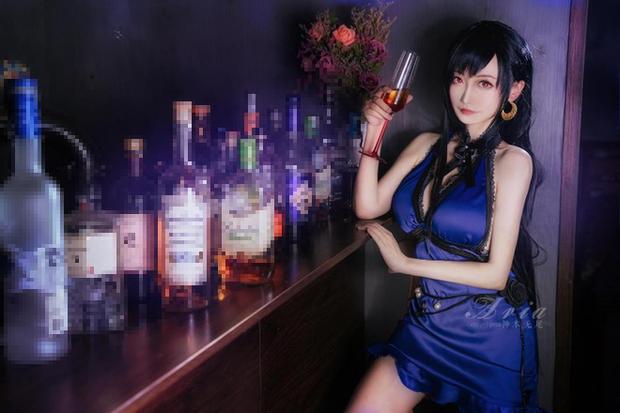 Chiêm ngưỡng bộ ảnh cosplay Tifa phong cách quý cô quầy rượu, nhìn sương sương cũng đủ say men - Ảnh 6.