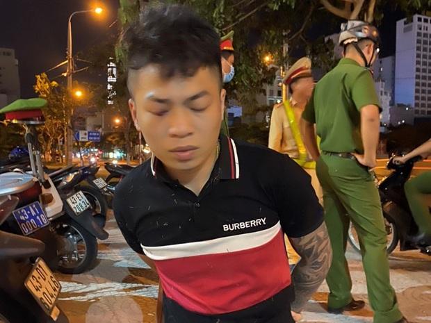 Thanh niên ngáo đá chạy xe lạng lách, nẹt bô thách thức công an - Ảnh 1.