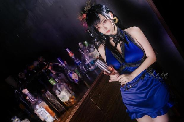 Chiêm ngưỡng bộ ảnh cosplay Tifa phong cách quý cô quầy rượu, nhìn sương sương cũng đủ say men - Ảnh 4.