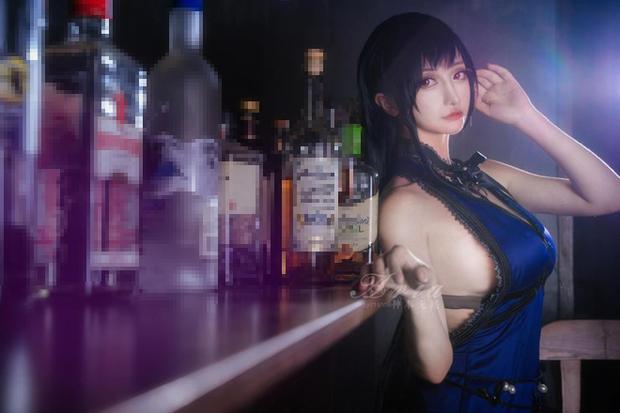 Chiêm ngưỡng bộ ảnh cosplay Tifa phong cách quý cô quầy rượu, nhìn sương sương cũng đủ say men - Ảnh 10.