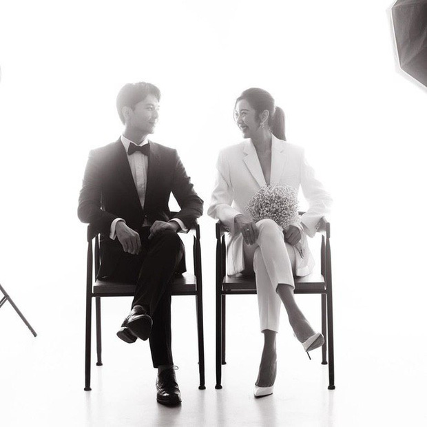 Ảnh cưới style cực nam tính của Thúy Vân được hé lộ, ngày cưới chính thức vẫn là ẩn số - Ảnh 3.