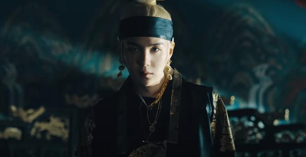 Giải mã MV của SUGA (BTS): Tên ca khúc là một điệu nhạc cổ, câu chuyện về vị Vua tàn bạo khét tiếng cùng rất nhiều biểu tượng văn hoá Hàn Quốc được cài cắm - Ảnh 13.