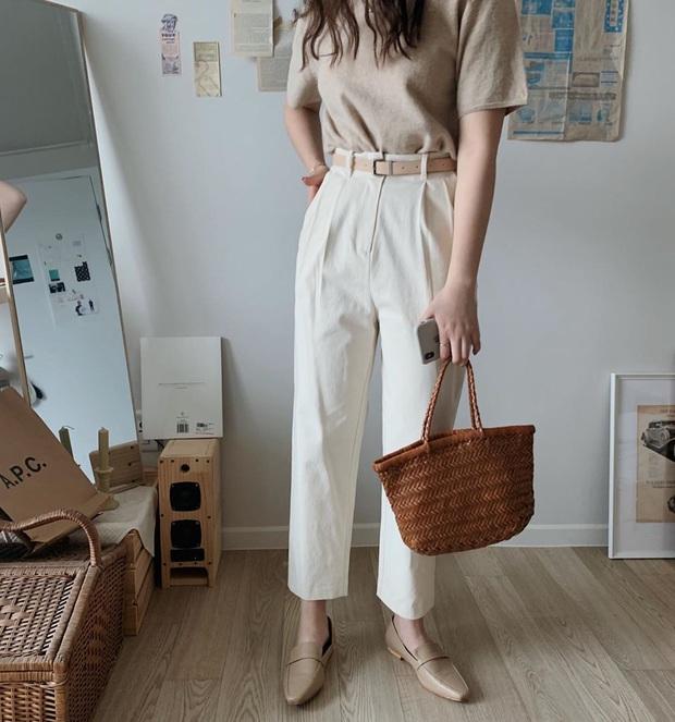 Hè này không cần điên cuồng sắm nhiều túi xách, chị em cứ đầu tư vào đúng 3 mẫu túi này là mặc đẹp trong mọi hoàn cảnh - Ảnh 3.