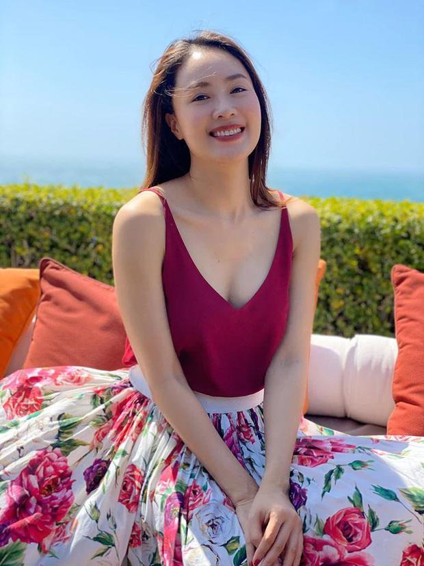 Ngoài đời khác hẳn trên phim: Khó nhận ra Hồng Diễm Hoa Hồng Trên Ngực Trái với style sang chảnh hết nút, sở hữu cả loạt đồ hiệu đắt đỏ - Ảnh 4.